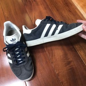 Adidas — gazelle navy blue